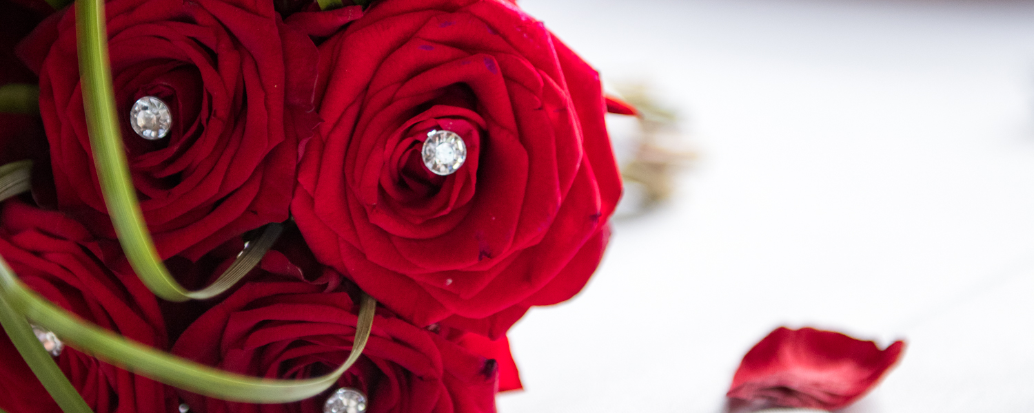 wedding flowers wedding photographer packages essex